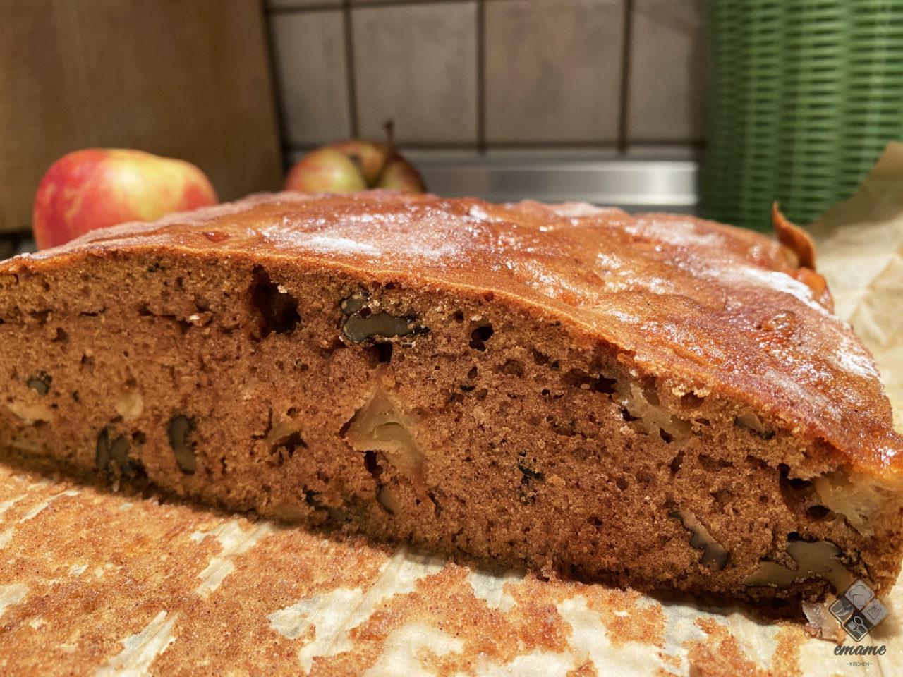 Szybkie ciasto z orzechami i jabłkami